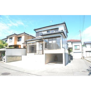 新潟市東区向陽リフォーム済住宅外観